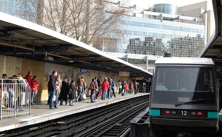 M U00e9tro Ligne 1 Paris   Plan  Horaires Et Stations M U00e9tro 1 Paris
