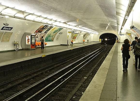 metro-blanche