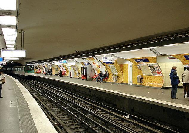metro charles de gaulle etoile