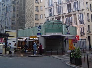 metro-louise-michel