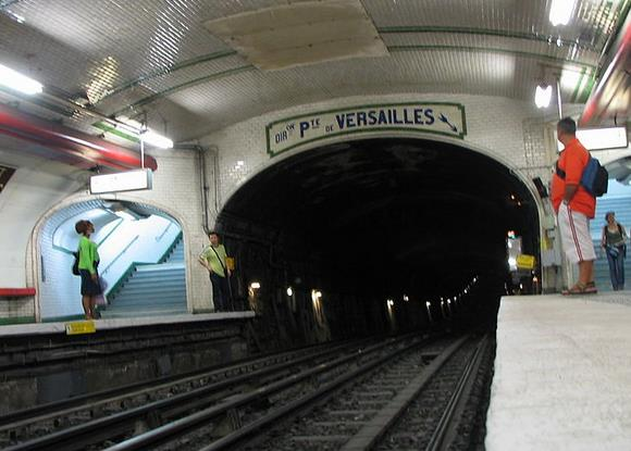 metro marcadet poissonniers