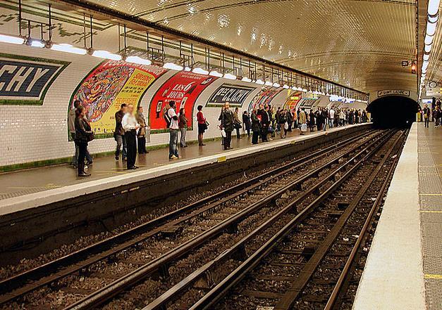 metro-place-de-clichy