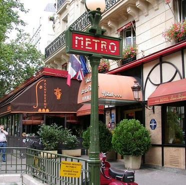 metro republique