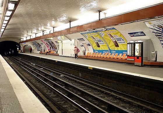 metro-rue-saint-maur
