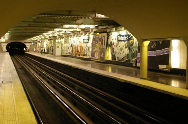 metro-tuileries